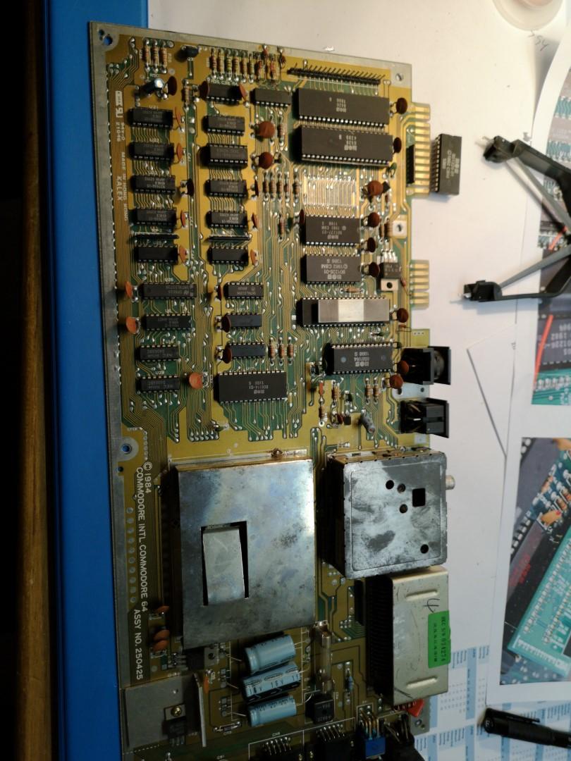 Commodore C64 Assy 250425 vor Reparatur
