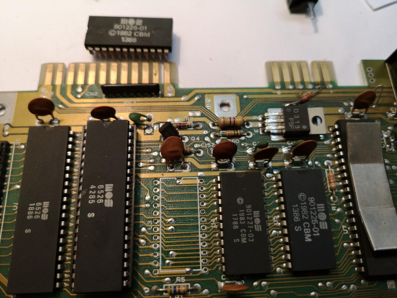 Sockel und C64 MOS Chip von 1982